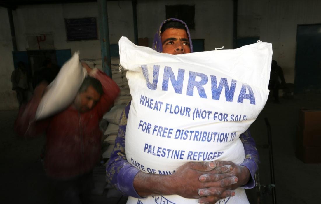 """أبو حسنة يوضح لـ""""فلسطين اليوم"""" إجراءات """"الأونروا"""" بخصوص إرجاع الكابونة الصفراء"""