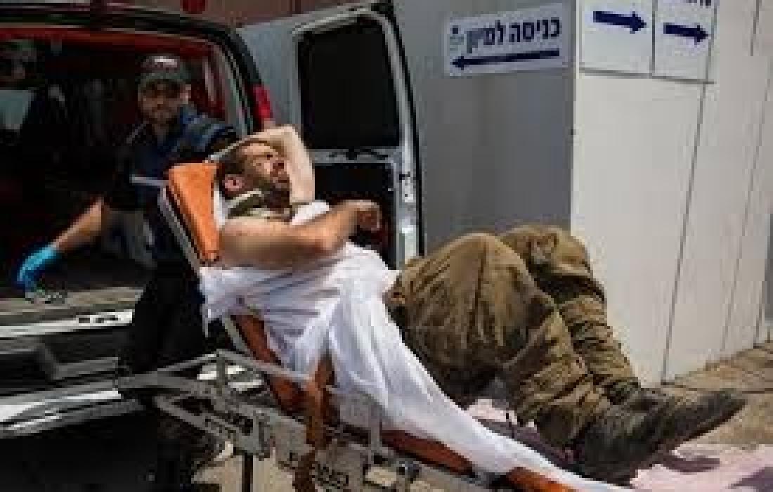 اصابة جندي بحجر1.jpg