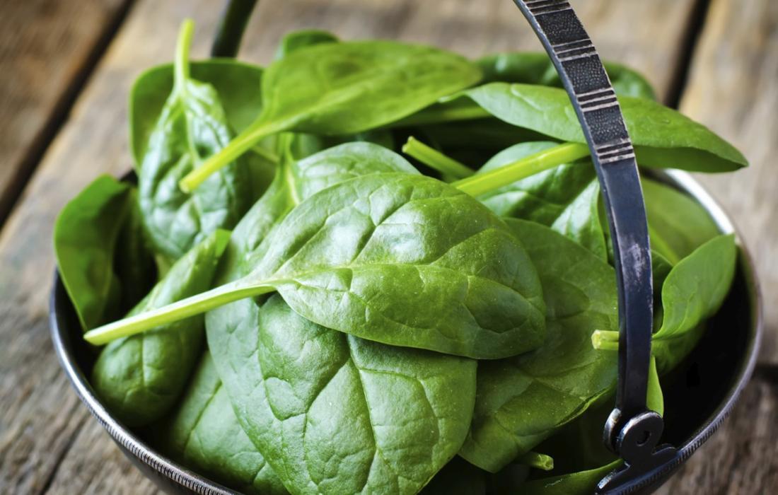 فوائد السبانخ للبشرة والصحية والقيمة الغذائية