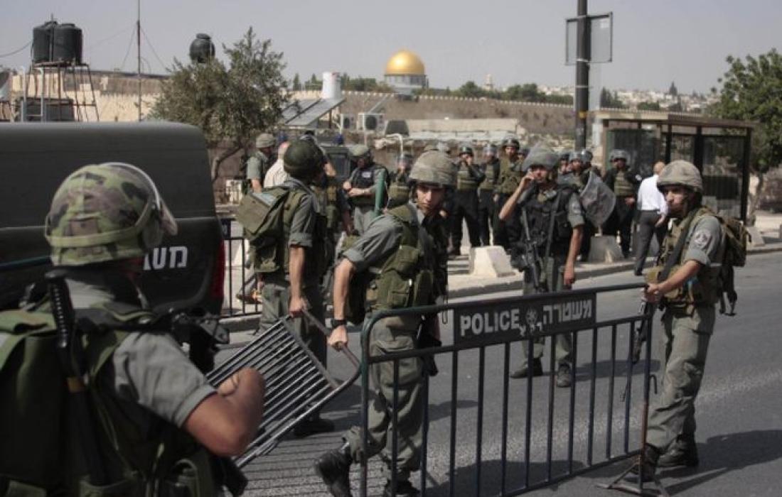 قوات الاحتلال تمنع فلسطينيون من أداء صلاة الجمعة في القدس