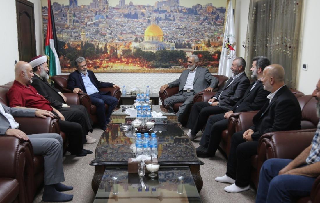 القائد النخالة يستقبل وفداً قيادياً من حركة التوحيد الإسلامي