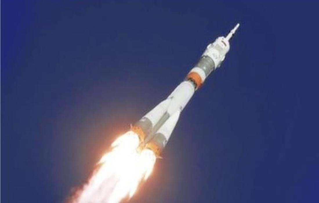صاروخ فضائي.