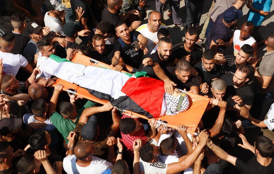 جماهير نابلس تشيّع جثمان الشهيد الفتى عماد حشاش