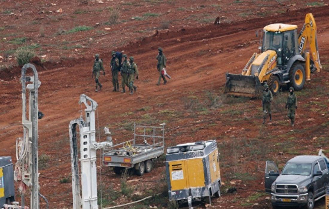 قوات الاحتلال تبحث عن انفاق.jpeg