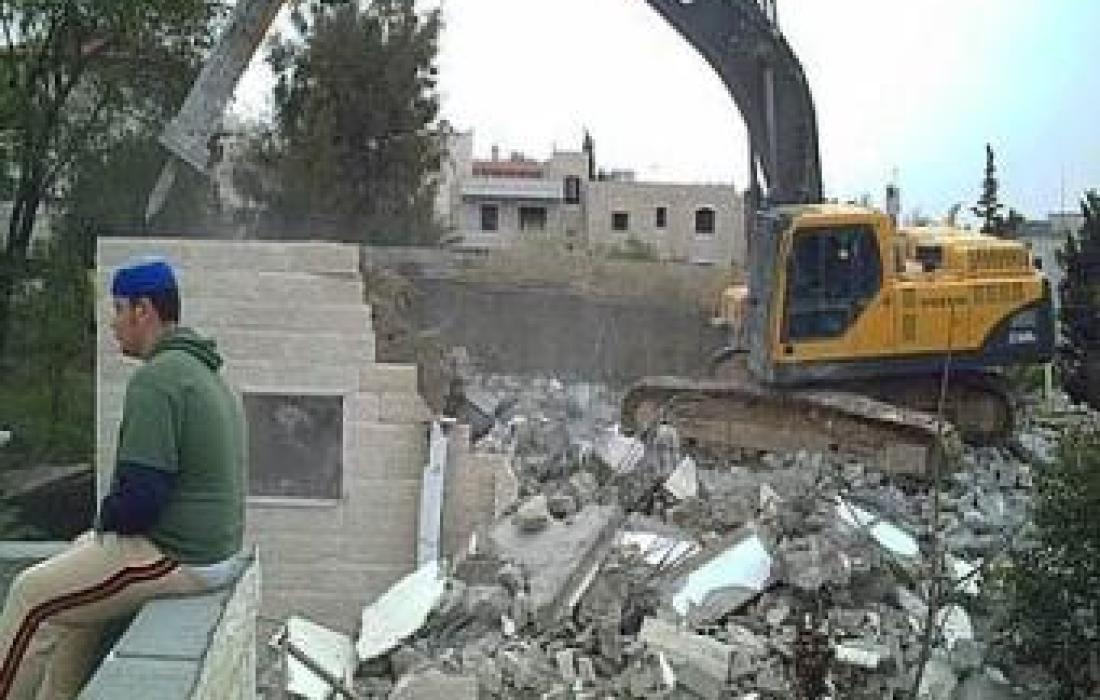 الاحتلال يواصل تجريف أراضي المواطنين