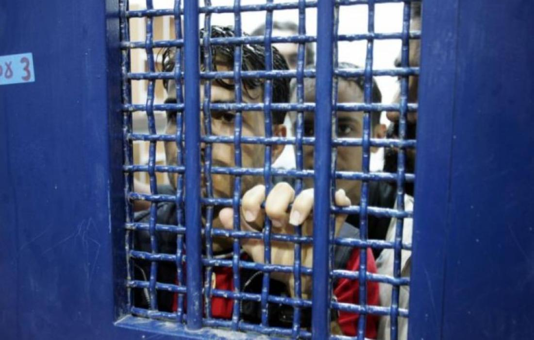 محكمة الاحتلال تمدد اعتقال أسير من جنين