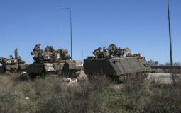 دبابات وعناصر تابعة للجيش الإسرائيلي على الحدود اللبنانية