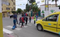 """""""كورونا"""" تلاحق أرزاق سائقي المركبات الخاصة بنقل طلبة المدارس ويطالبون بالتعويض"""