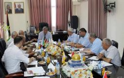 الدكتور الشرافي يجتمع مع مجلس الامناء