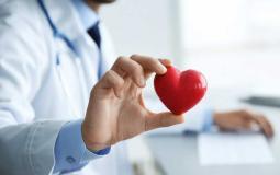 خلال النوم.. علامات تحذر من الإصابة بأمراض القلب