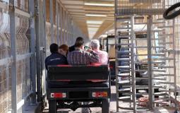 المسافرون عبر معبر بيت حانون ايرز شمال القطاع