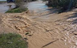 الاحتلال يفتح عبارات المياه اتجاه أراضي المزارعين في الشجاعية