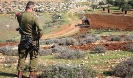 الاحتلال يخطر بهدم بئر وغرفة زراعية جنوب الخليل