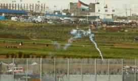 قنابل غز على حدود غزة