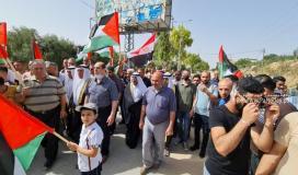 المواطنون يستعدون لاستقبال الوفد الأمني عبر معبر بيت حانون (4).jpg