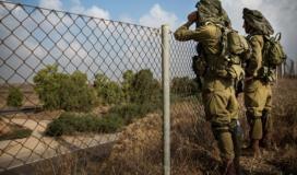 جنود الاحتلال قرب سياج غزة