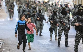 """بالصور:مسير عسكري لسرايا القدس لواء غزة""""كتيبة الرضوان"""" بمناسبة ذكرى الإنطلاقة ودعما للأسرى"""