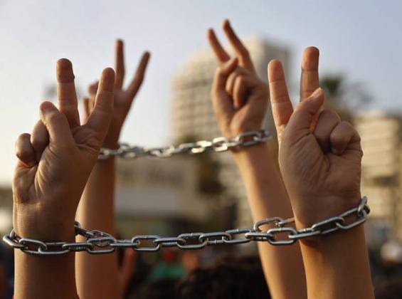 د. حمدونة : الاحتلال يواصل انتهاكاته بحق الأسرى الفلسطينيين دون أي رداع